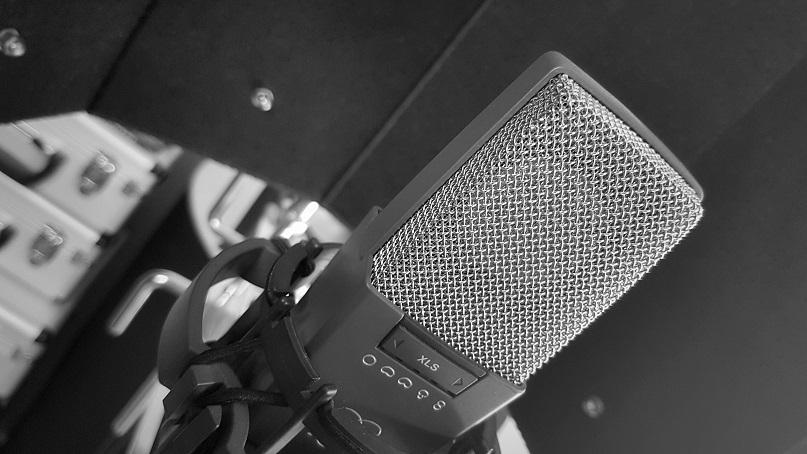 AKG 414 microphone
