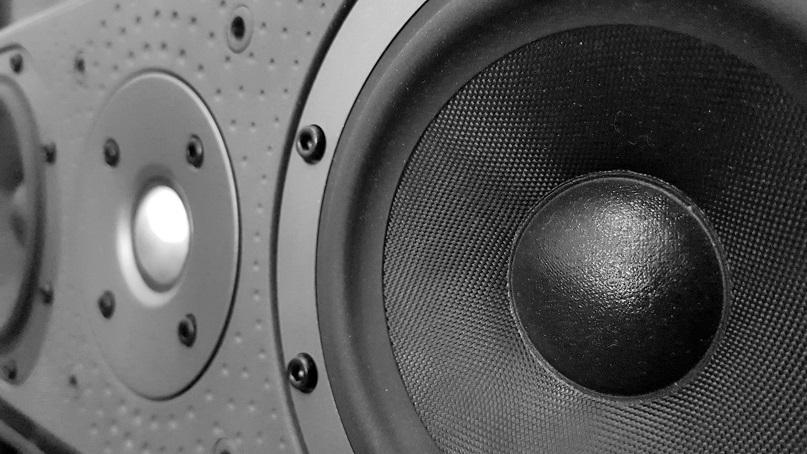 B&W DM centre speaker